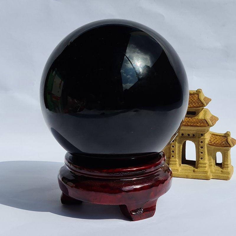 Ý nghĩa của Quả cầu đá Obsidian đen trong phong thủy