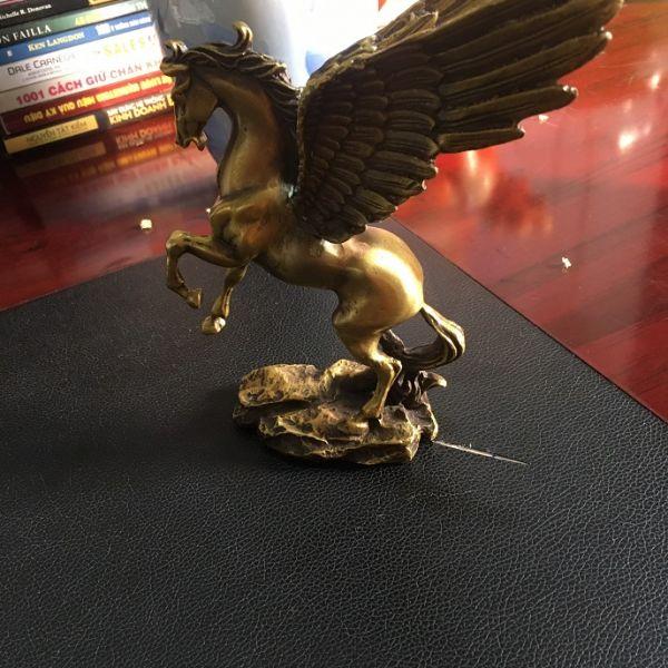 Tượng ngựa bằng đồng