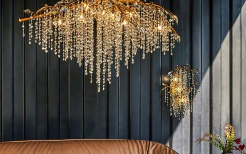 Những chiếc đèn chùm pha lê để thôi miên khách của bạn