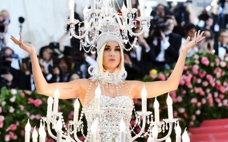 EM MUỐN MÌNH SÁNG NHẤT ĐÊM NAY! Katy Perry 2019 Met Gala