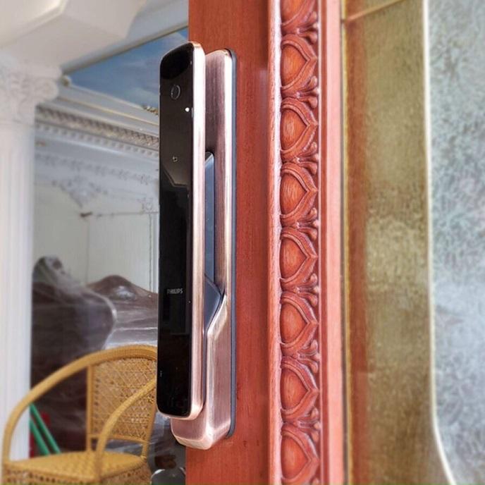 Lap dat khoa cua cao cap thong minh van tay PHILIPS 9300